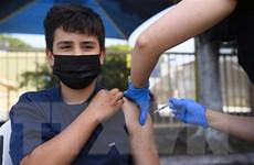 Anh nghiên cứu thử nghiệm tiêm kết hợp vaccine COVID-19 cho trẻ em