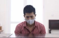 Hà Nội: Phạt tù mẹ đẻ, cha dượng vì hành hạ, hiếp dâm con gái