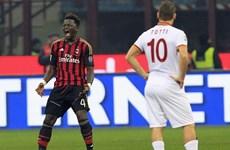 AC Milan chia điểm với Roma, Juventus hoan hỉ