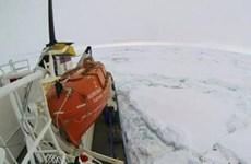 Nỗ lực giải cứu tàu chở 74 người bị mắc kẹt ở Nam cực