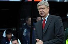 Arsenal vô địch lượt đi song ông Wenger vẫn không hết lo