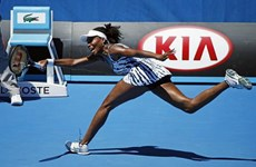 Australian Open: Nhà Williams nhận cú sốc ngày ra quân