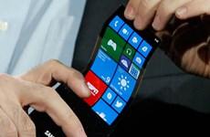 """Samsung bí mật """"khoe"""" màn hình uốn dẻo smartphone"""