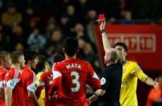 Southampton gây sốc cho Arsenal, Liverpool đại thắng