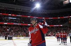 Cha của sao hockey Nga bị đau tim khi xem con thi đấu