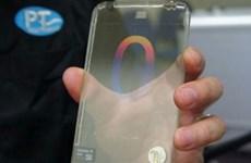 """Samsung sẽ tung ra điện thoại trong suốt của """"Iron Man""""?"""