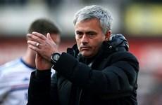 Jose Mourinho bi quan sau trận thua mất mặt của Chelsea