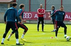 Tin hot 1/4: Bayern lộ điểm yếu, Wenger chỉ bảo Moyes