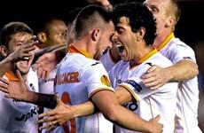 """Europa League: Valencia ngược dòng """"thần kỳ"""" vào bán kết"""
