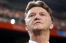 Tin World Cup 28/4: MU từ chối van Gaal, Balotelli mất suất?