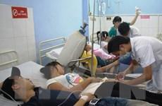 Gần 400 công nhân nghi bị ngộ độc do uống nước từ bình lọc