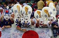 Cổ động viên Nhật Bản lại khiến cả thế giới cảm phục