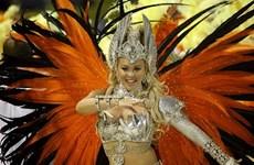 World Cup trên từng cây số: Samba, giai điệu của tự do, sexy