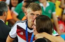 """Toni Kroos """"lật kèo"""" để gia nhập Real Madrid thay vì M.U"""