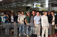 [Photo] Đón thêm 184 lao động Việt Nam từ Libya về nước an toàn