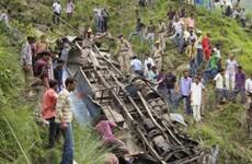 Ấn Độ: Tai nạn xe khách thảm khốc, 22 người thiệt mạng