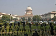 Nữ luật sư Ấn Độ tự tử tại tòa sau khi tố bị người thân hãm hiếp