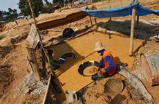 Sập mỏ vàng trái phép ở Indonesia, 18 người thiệt mạng