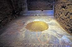 Khai quật bức tranh khảm khổng lồ trong lăng mộ bí ẩn ở Hy Lạp
