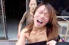 """Báo chí Tây """"sốc"""" với vụ lột quần áo đánh ghen ở Trung Quốc"""