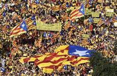 Vùng Catalonia sẽ vẫn tiến hành thăm dò dư luận về độc lập