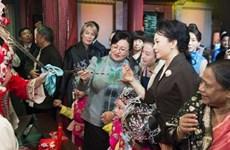 Phu nhân Tập Cận Bình dẫn khách tham quan Bảo tàng Bắc Kinh
