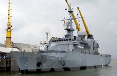 [Photo] Tàu tuần dương Vendemiaire của Pháp thăm Đà Nẵng