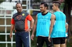 """HLV Malaysia lệnh cho học trò phải """"phá lưới"""" tuyển Việt Nam"""