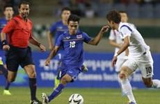 """Kiatisuk đánh liều với """"Messi của Thái Lan"""" ở trận gặp Philippines"""