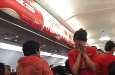 Hành khách Trung Quốc hắt nước sôi vào tiếp viên hàng không
