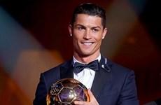 Cristiano Ronaldo hoàn tất hat-trick Quả bóng vàng FIFA