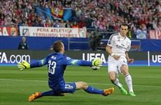 [Video] Gareth Bale bỏ lỡ cơ hội ngon ăn khi đối mặt Jan Oblak