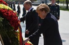 Lãnh đạo Nga, Đức đến đặt vòng hoa tại tượng đài Chiến sỹ Vô danh