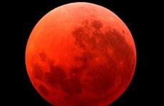"""""""Mặt Trăng máu"""" tháng 9 sẽ kéo theo động đất hủy diệt loài người?"""