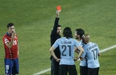 Chơi với 9 người, Uruguay cay đắng thành cựu vương Copa America