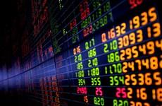 Chờ đợi Fed công bố kết quả, chứng khoán biến động trái chiều