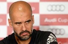 """Guardiola tức giận """"gây sự"""" với truyền thông và cựu sao Bayern"""