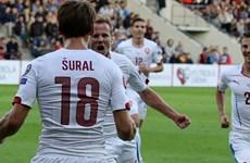 Kết quả: Thêm hai đội giành vé dự EURO 2016, Hà Lan thảm bại