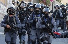 Cảnh sát Israel đụng độ người Palestine ở thánh đường Al-Aqsa