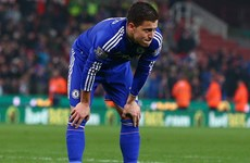 "Eden Hazard đã ""đá bay"" Jose Mourinho khỏi Stamford Brigde?"