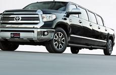 Toyota sắp ra mắt xe bán tải phong cách limousine 8 cửa, 9 chỗ ngồi