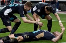 """Kết quả chi tiết: Chelsea """"đá bay"""" Porto, Arsenal lập nên kỳ tích"""