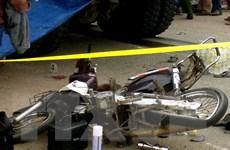 Xe bán tải tông trực diện xe máy, một phụ nữ tử vong tại chỗ