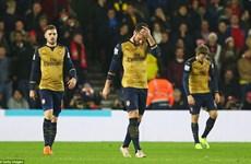 Vòng 18 Premier League: Leicester vấp ngã, Arsenal thua thảm