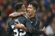 Liverpool đặt một chân vào chung kết giải Capital One Cup