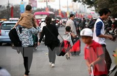 Người dân ùn ùn trở lại Thành phố Hồ Chí Minh sau Tết Bính Thân