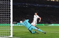 Paris Saint Germain chính thức tiễn Chelsea khỏi Champions League