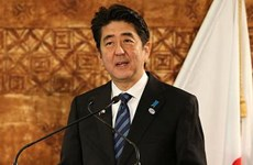 Thủ tướng Nhật Bản quyết định lùi thời điểm tăng thuế tiêu dùng