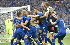 BLV Iceland khóc nức nở khi đội nhà giành vé vào vòng 1/8
