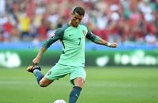Bồ Đào Nha trước vòng 1/8: Cristiano Ronaldo, bớt ích kỷ đi!